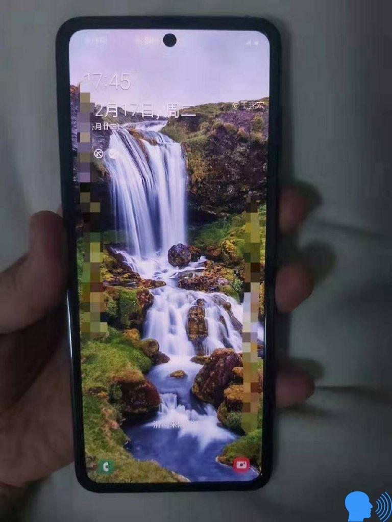 Samsung Katlanır Telefon