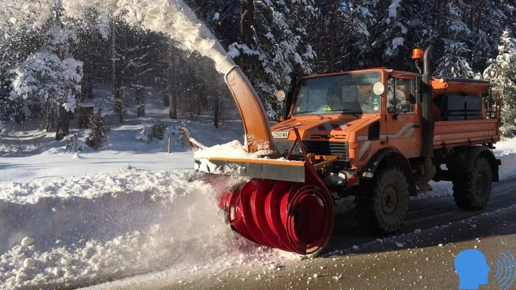 mercedes unimog kar küreme aracı